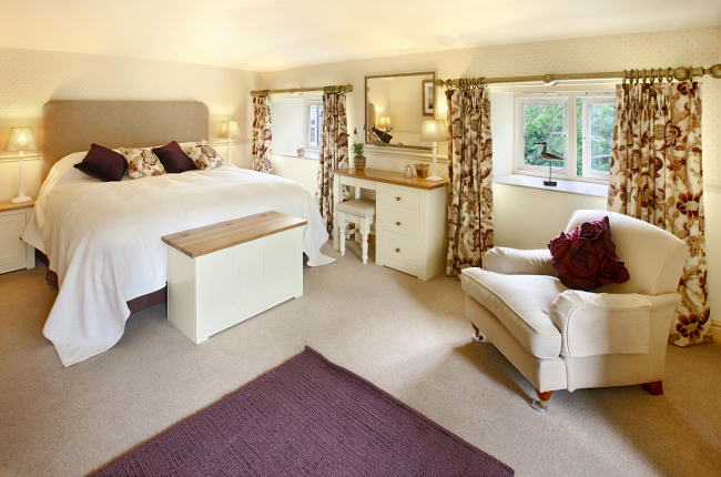 Double Bedroom in Swinney Cottage